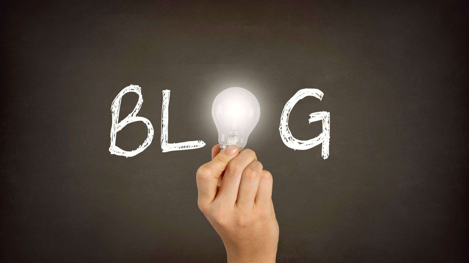 Black background, white letters, the word Blog with a lightbulb
